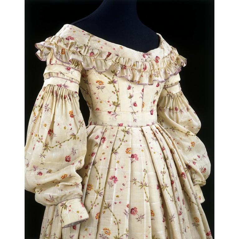 V&A dress, c.1837-1840